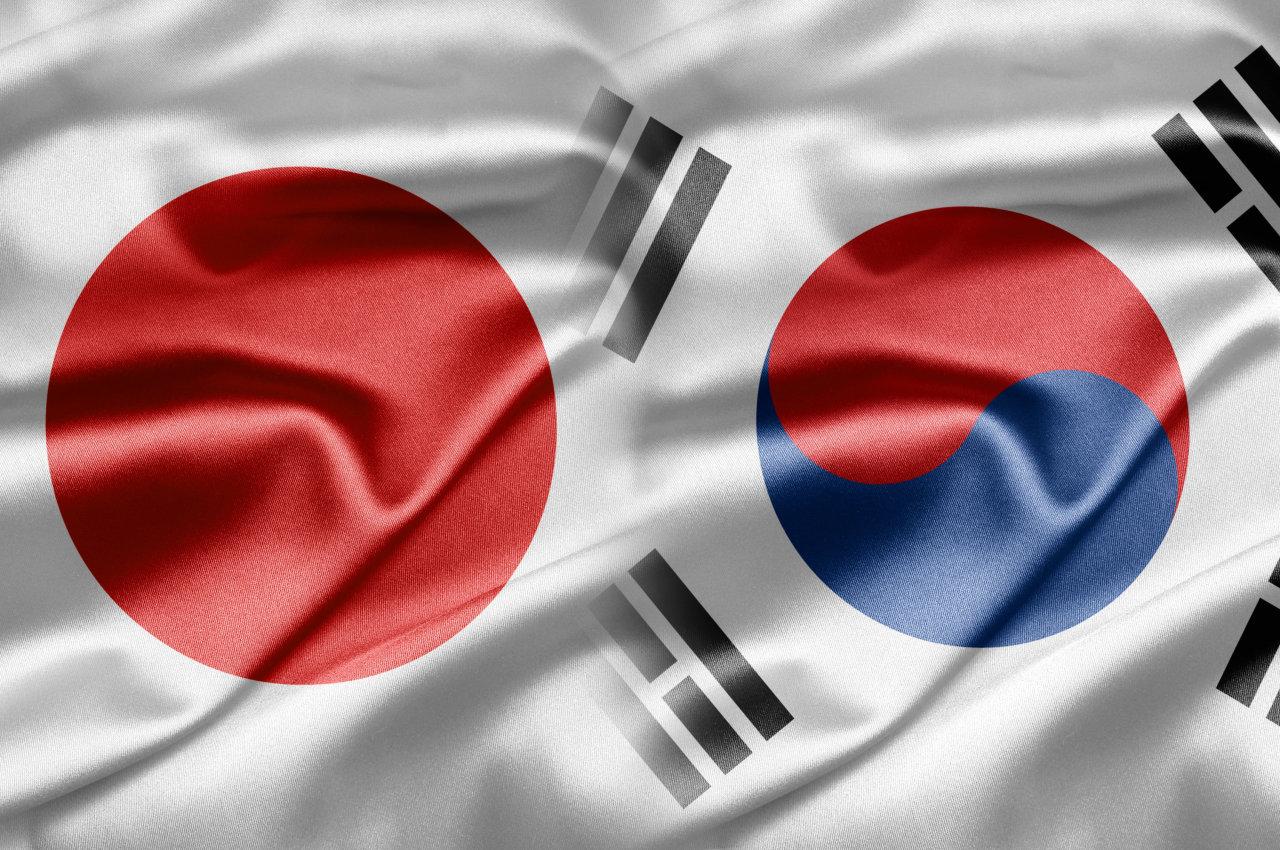 Flags of Japan and South Korea (123rf)