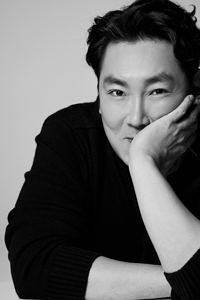 Actor-turned-director Cho Jin-woong (Saram Entertainment)
