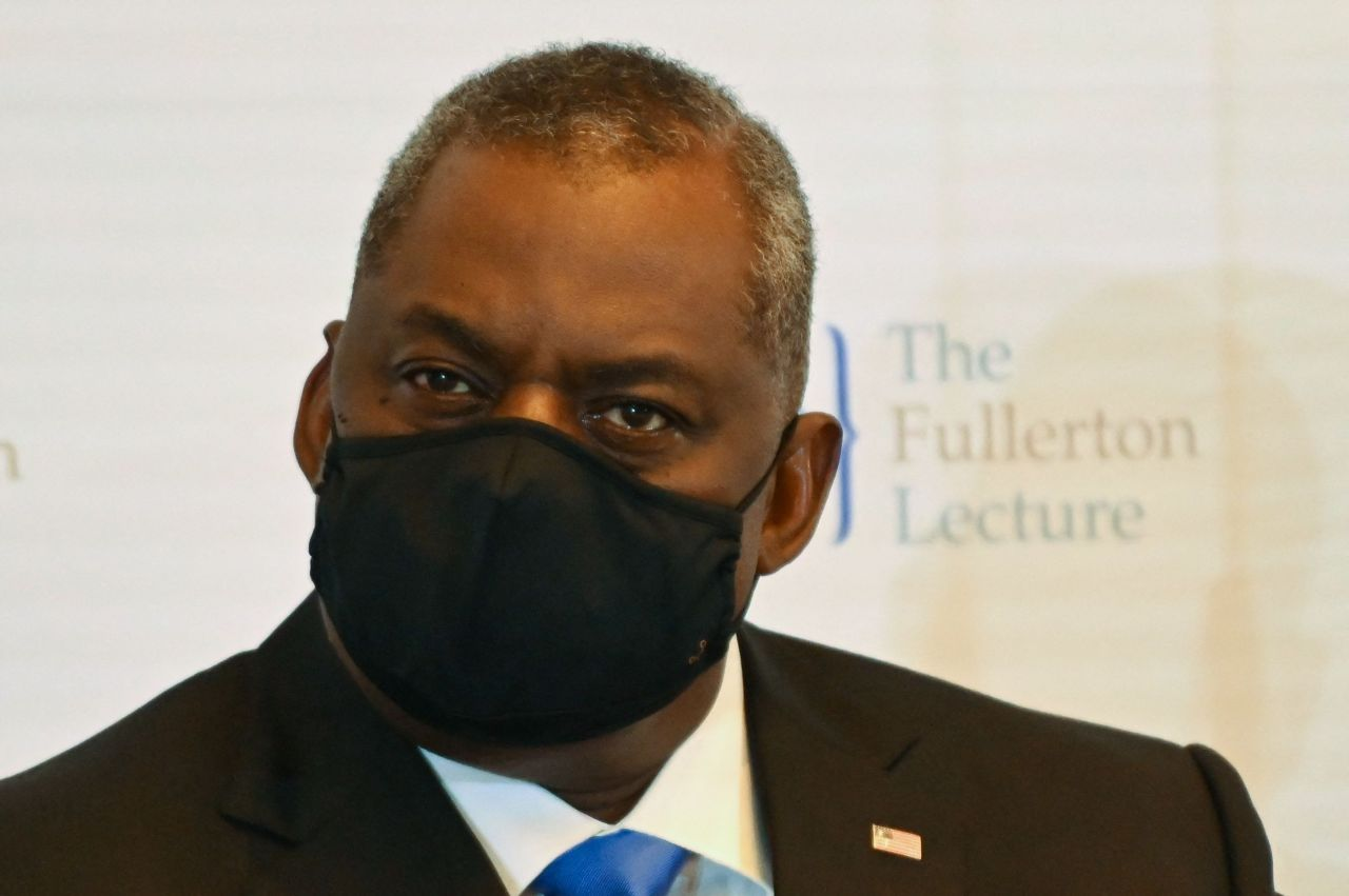 US Defense Secretary Lloyd Austin is seen speaking at the International Institute for Strategic Studies Fullerton Lecture in Singapore on Tuesday, in this AFP photo. (AFP-Yonhap)