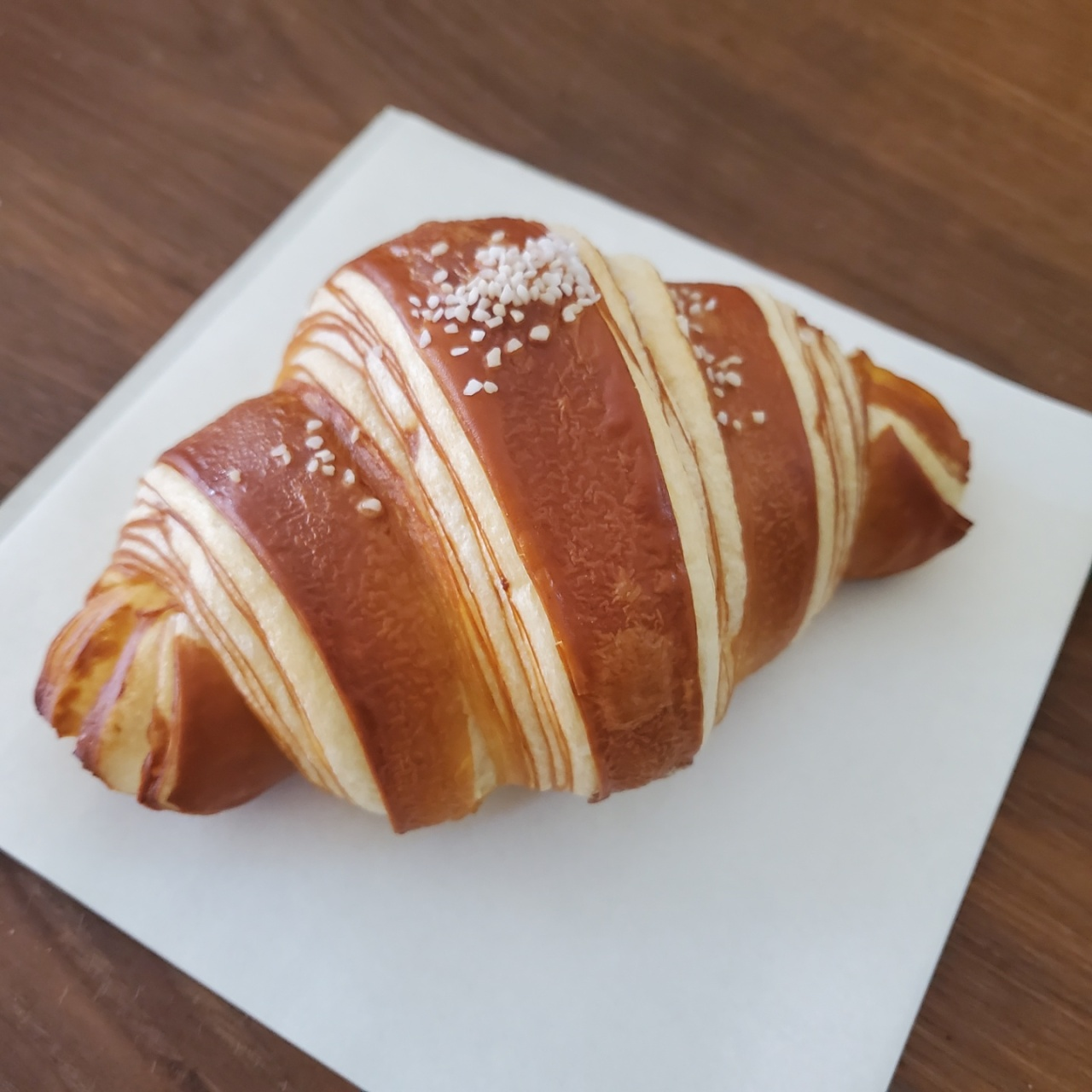 To nab one of Artisan Croissant Bukchon's laugencroissants, it is wise to visit before 2 p.m. to 4 p.m., says head chef Kim Jin-mo. (Photo credit: Artisan Croissant by Artisan Bakers)