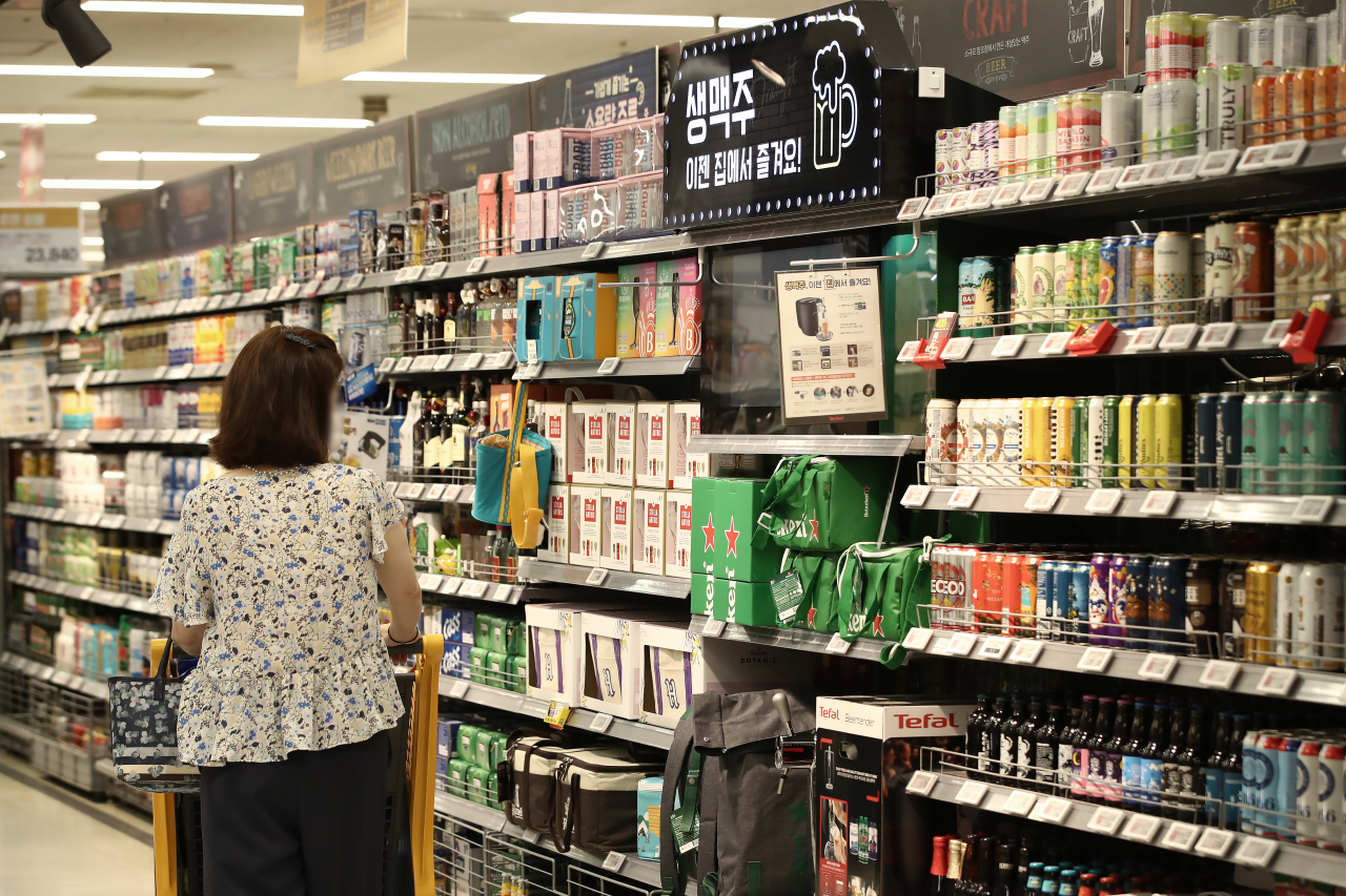 Alcohol beverages are displayed at a supermarket in Seoul, on July 20. (Yonhap)