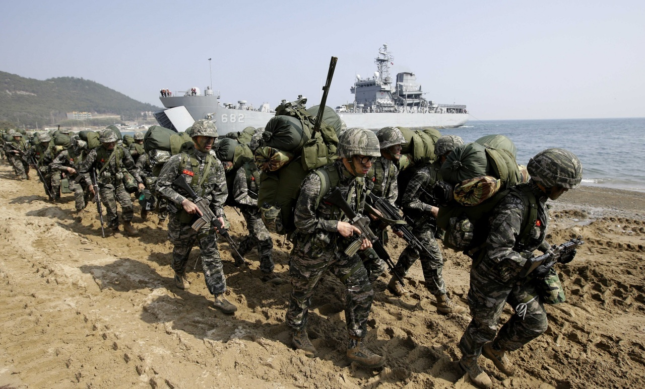 South Korean Marines take part in a Korea-US joint landing operation in this file photo dated 2017. (AP-Yonhap)
