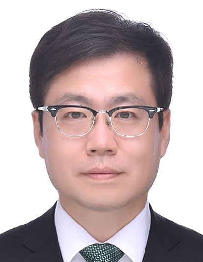 This profile photo released by the presidential office on Thursday, shows Trade Minister Nominee Yeo Han-koo. (presidential office)