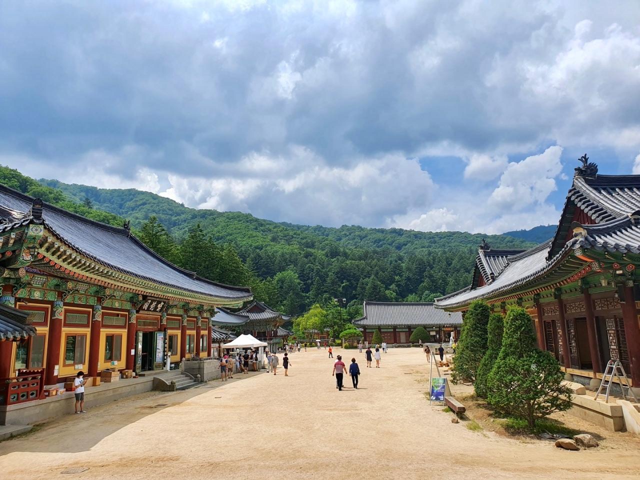 Weoljeongsa at Odaesan in Pyeongchang, Gangwon Province (Im Eun-byel / The Korea Herald)