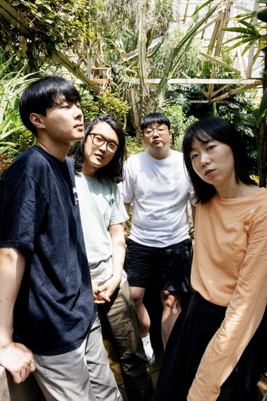 (From left) Bassist Kim Jae-young, guitarist Kim Byung-kyu, drummer Lim Sung-wan and vocalist Choi Sumi, the members of Say Sue Me (Electric Muse)
