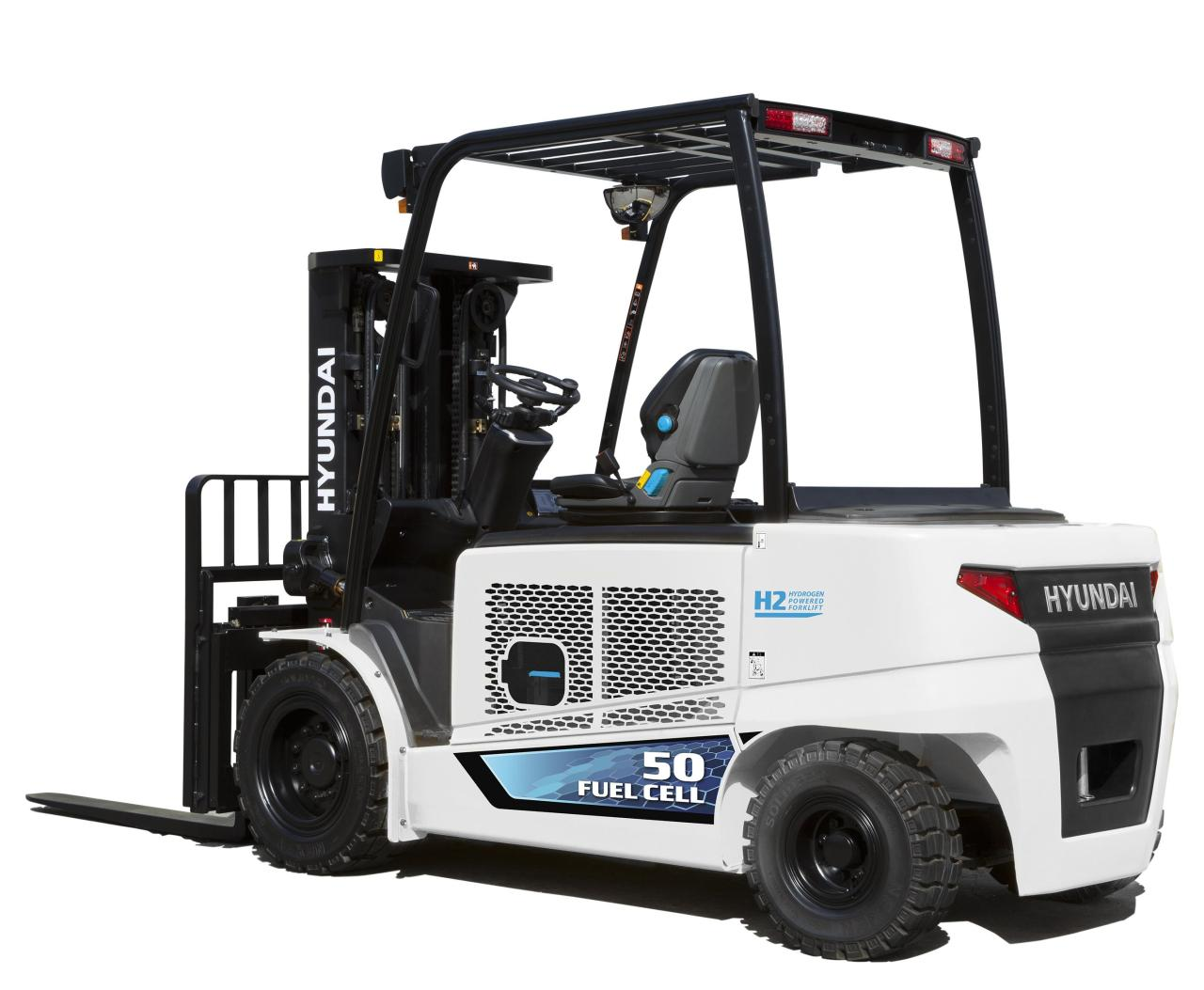 This photo taken on Tuesday, shows a 5-ton forklift powered by hydrogen fuel cells, which was developed by the company in 2020. (Hyundai Construction Equipment Co.)