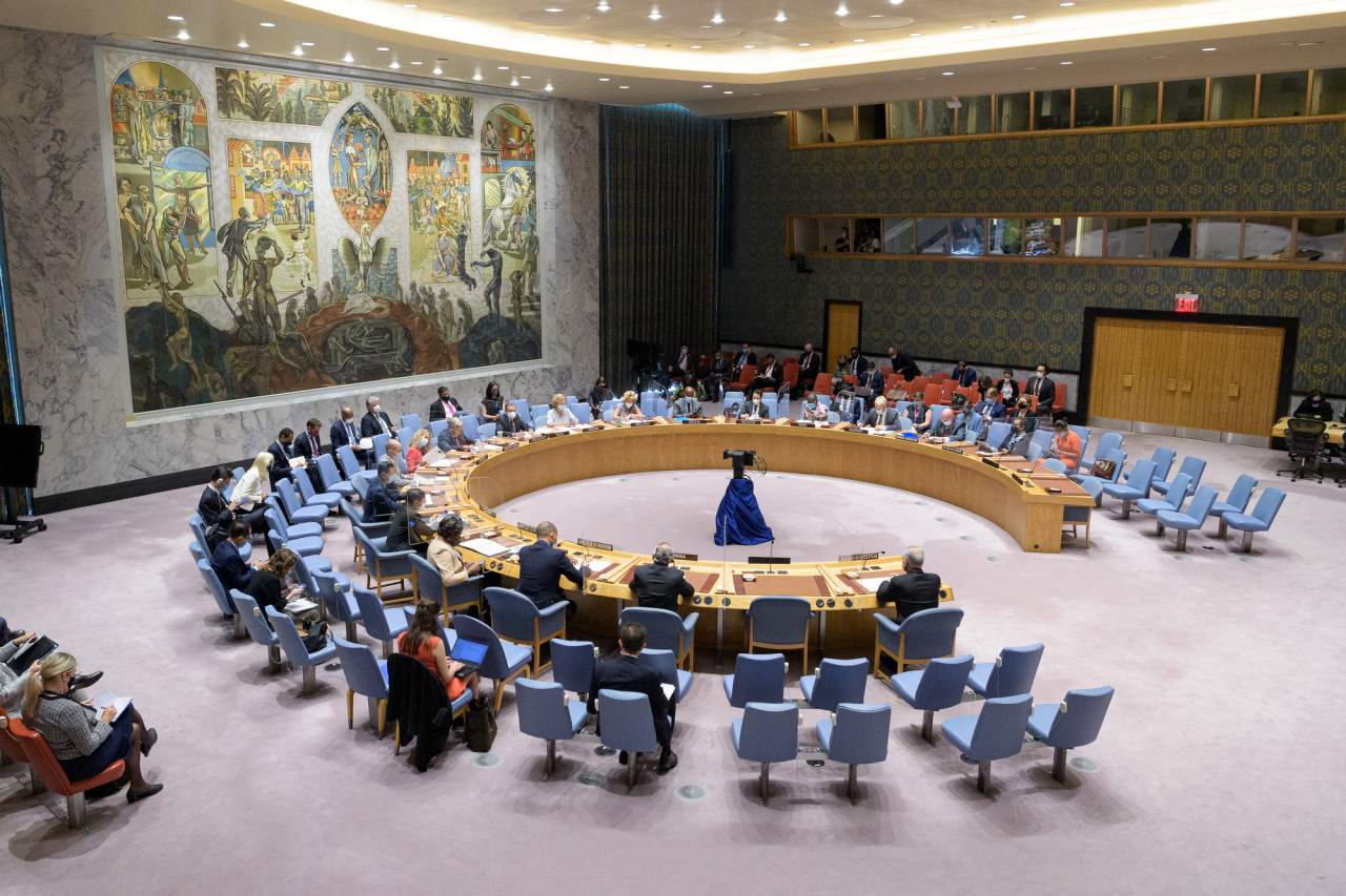An emergency meeting of the UN Security Council on Afghanistan is held at the UN headquarters in New York, on Monday. (Xinhua-Yonhap)
