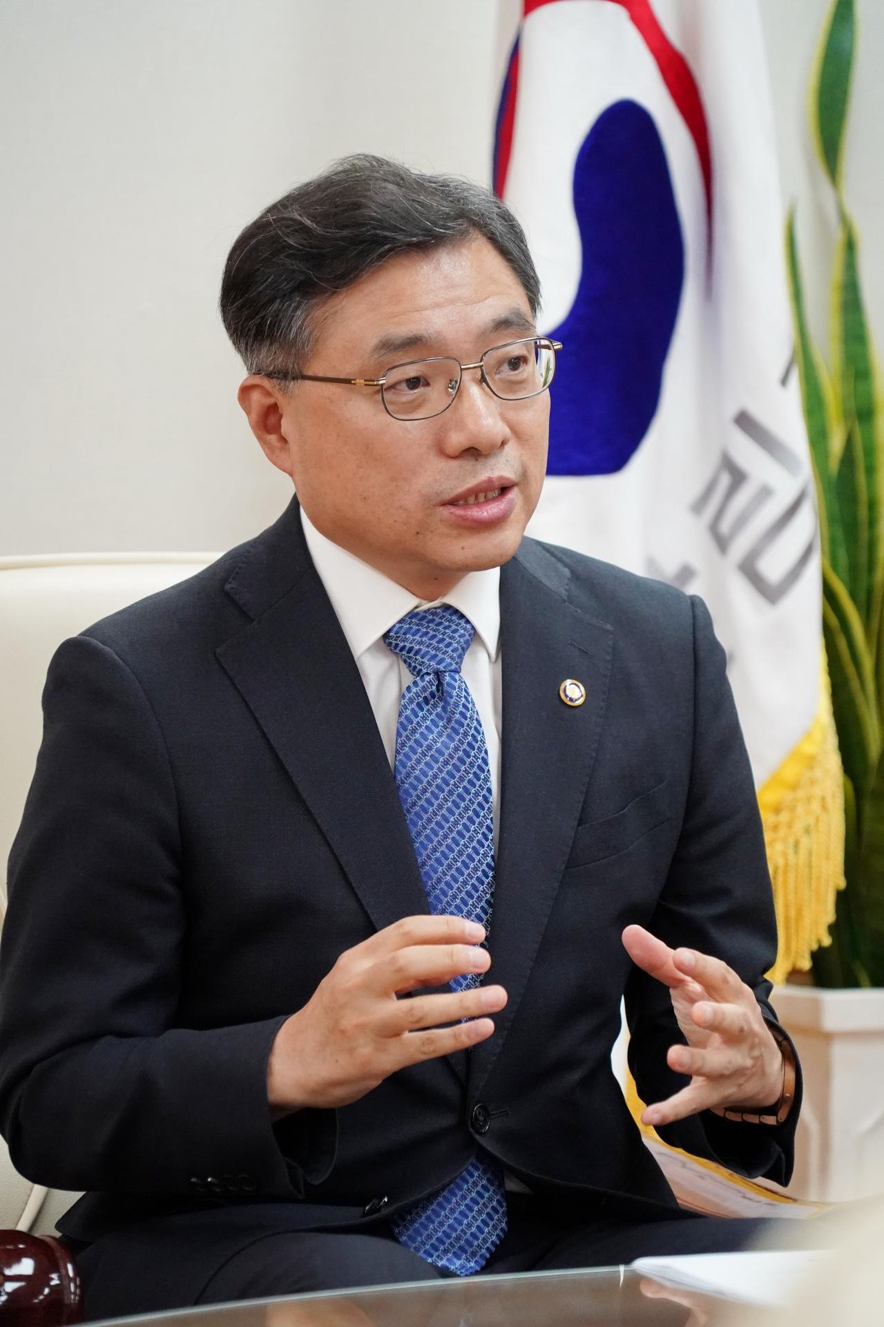 Korea Forest Service Minister Choi Byeong-am (KFS)