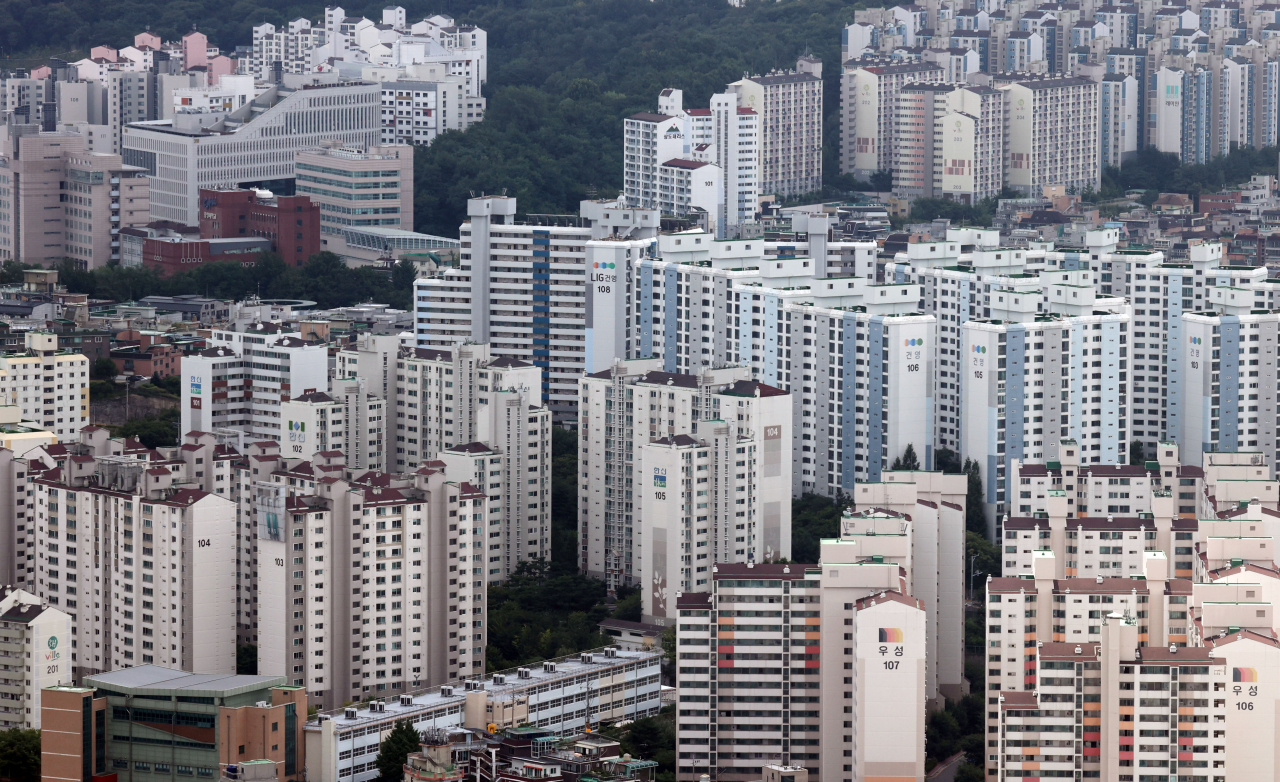 Aerial view of apartment complexes in western Seoul (Yonhap)
