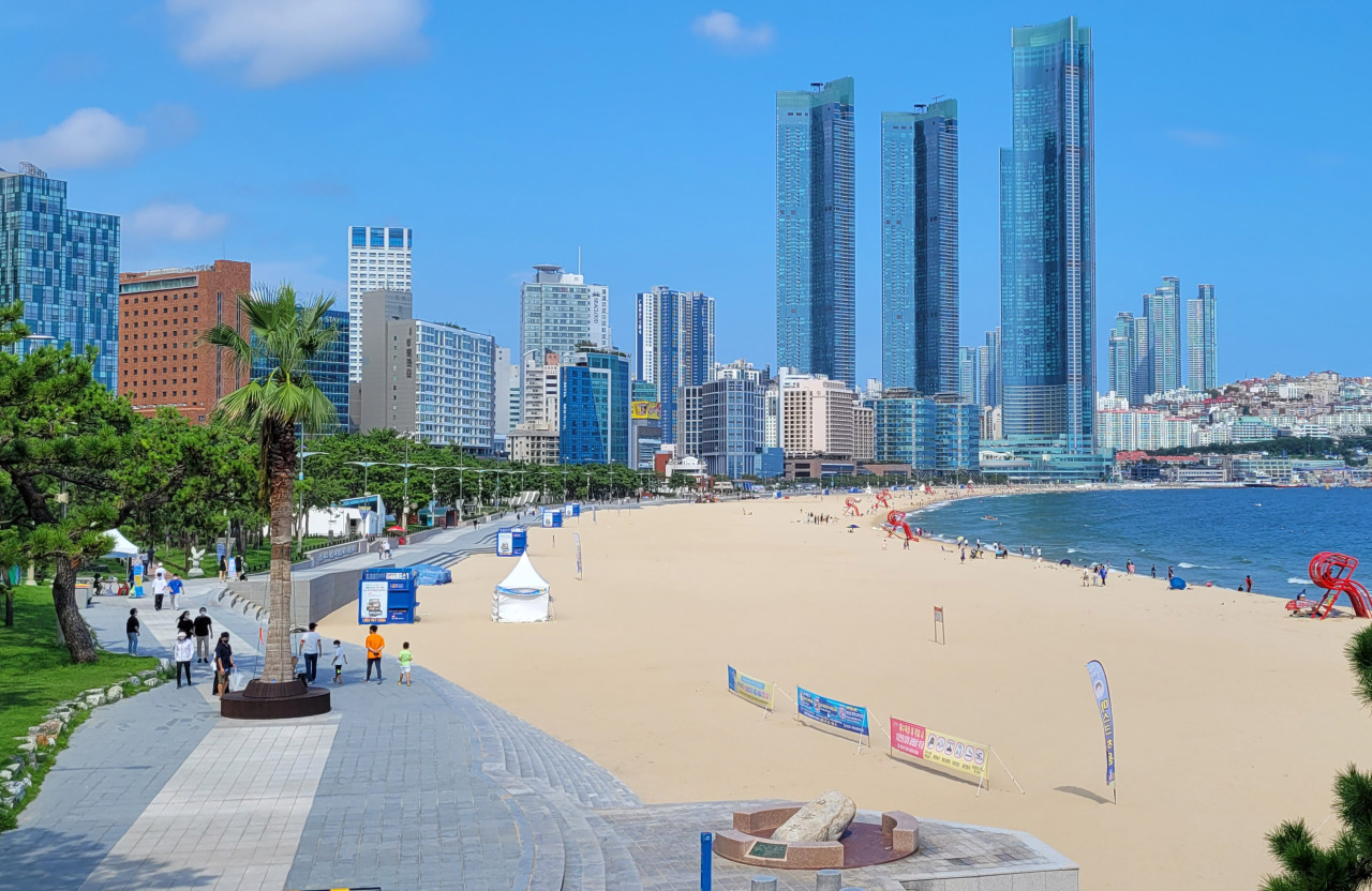 Photo shows sparsely crowded Haeundae beach in southeastern coastal city of Busan on the last Sunday of August. (Yonhap)