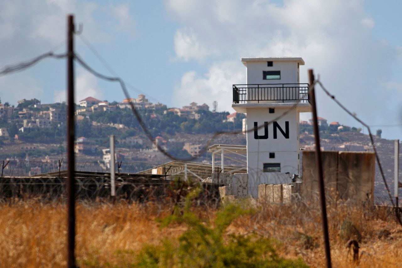 A picture taken on Aug. 16 shows an observation tower of United Nations Interim Force in Lebanon near the military base of Har Dov on Mount Hermon, a strategic and fortified outpost at the crossroads between Israel, Lebanon, and Syria. (AFP-Yonhap)