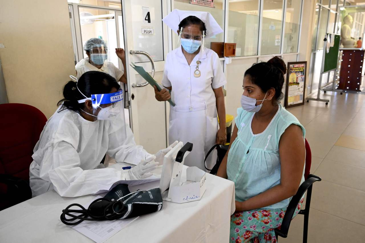 A pregnant woman registers to receive a dose of the Chinese-made Sinopharm Covid-19 coronavirus vaccine in Colombo on Thursday. (AFP-Yonhap)