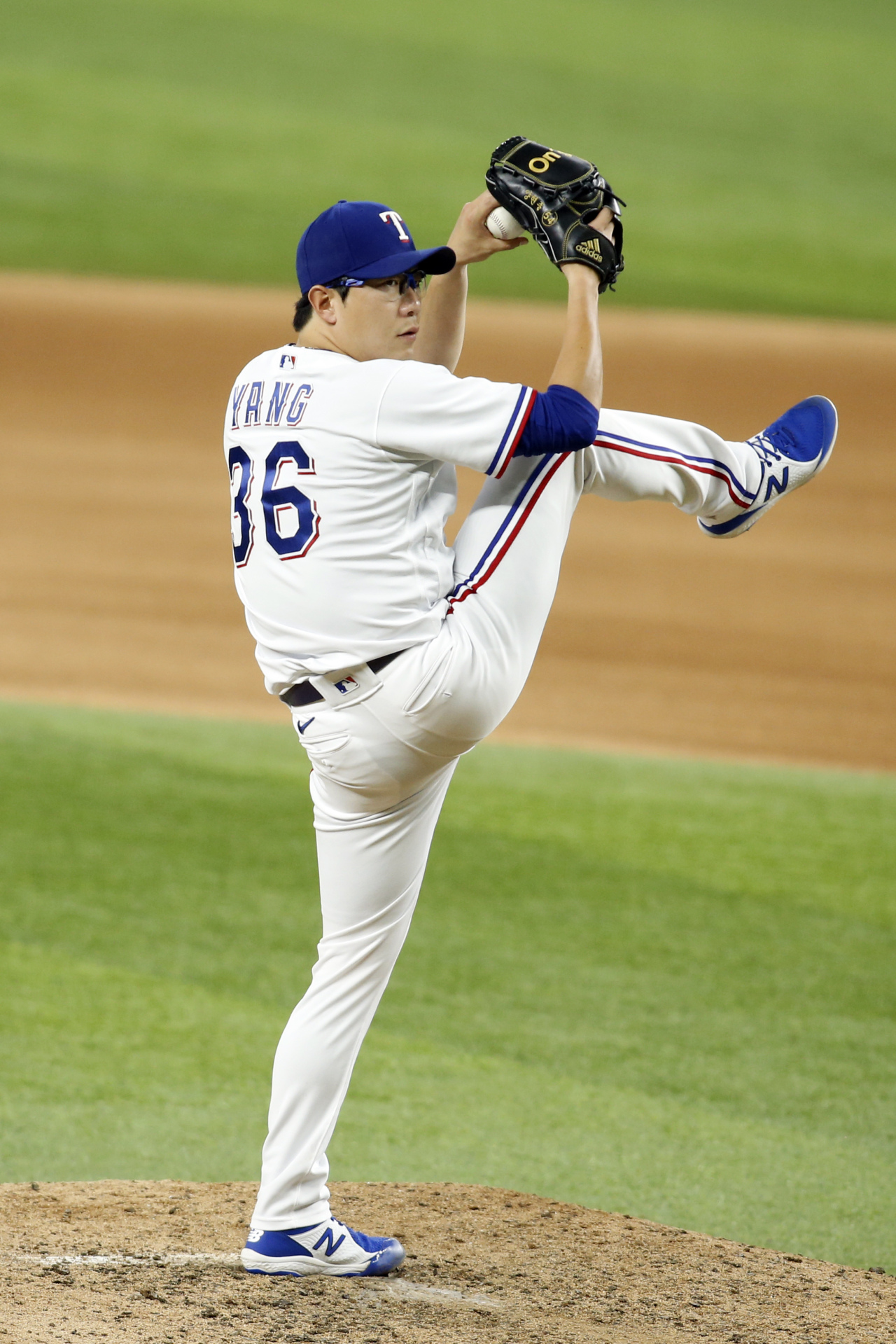 In this Associated Press photo, Yang Hyeon-jong of the Texas Rangers pitches against the Houston Astros in the top of the seventh inning of a Major League Baseball regular season game at Globe Life Field in Arlington, Texas, on Monday. (AP-Yonhap)