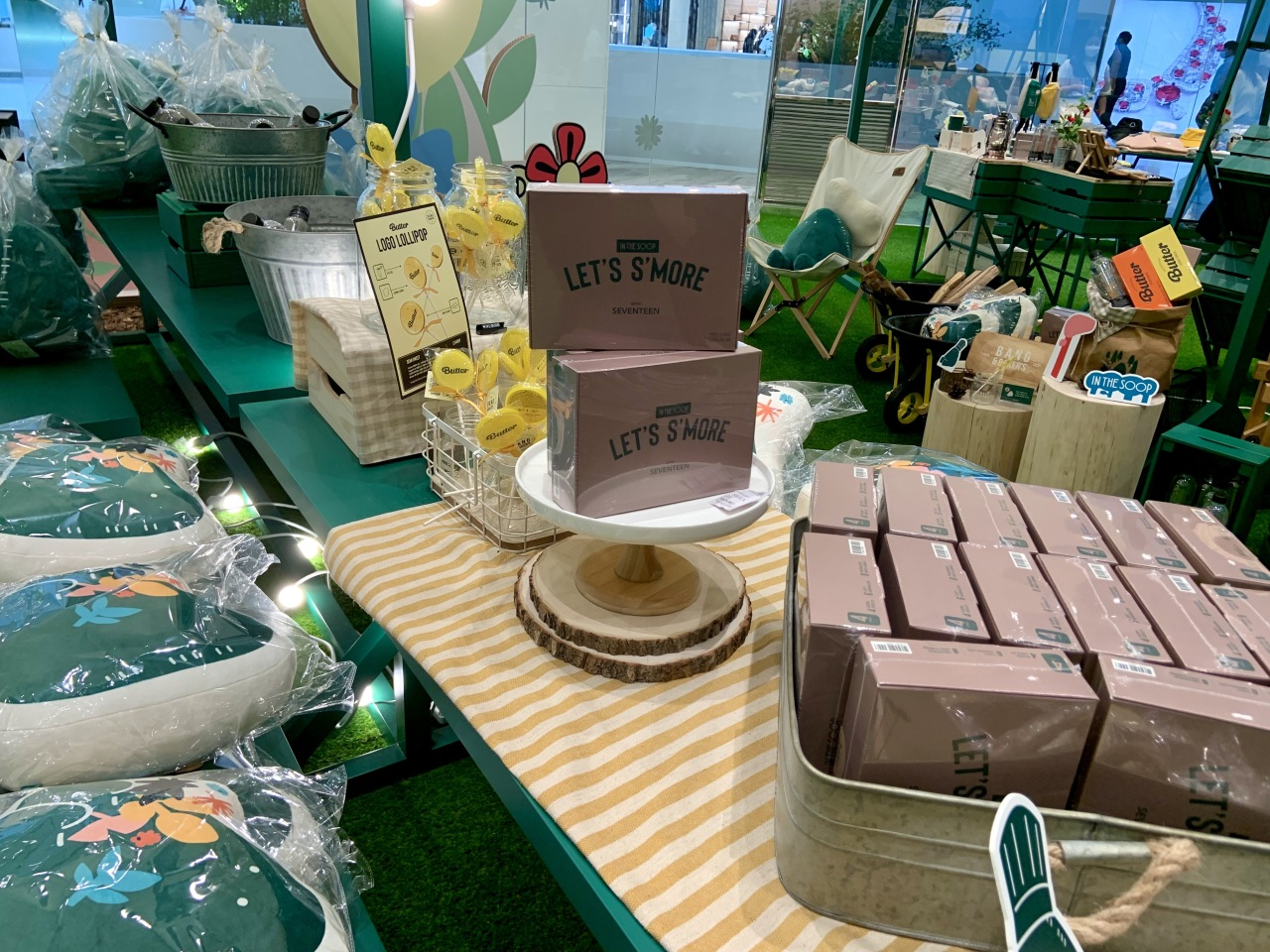 Sweets such as s'mores and lollipops are displayed on a table. (Park Jun-hee/The Korea Herald)