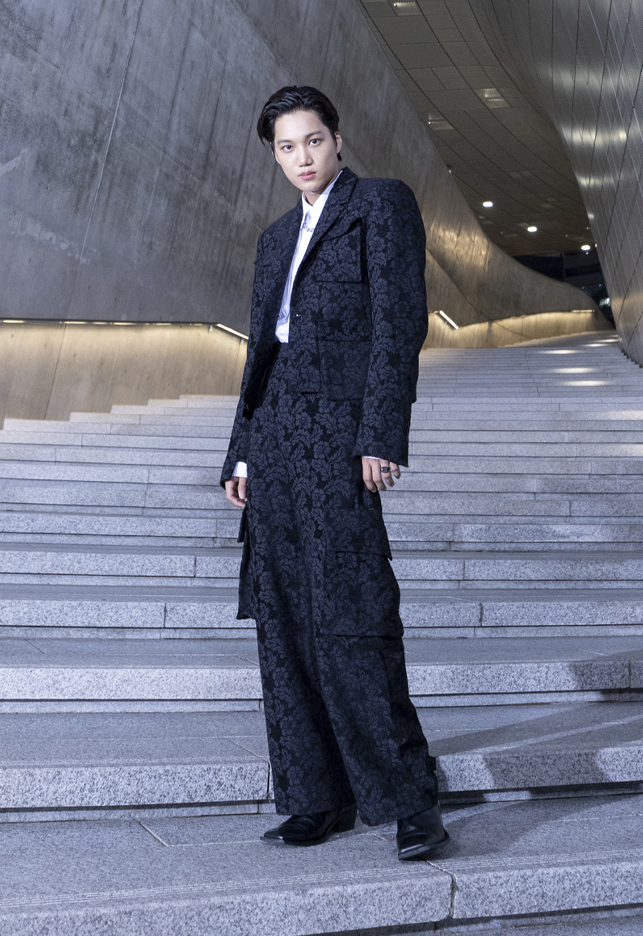 K-pop group EXO's Kai, the global ambassador of the 2022 spring-summer Seoul Fashion Week, poses with a look from BMUET(TE)'s new collection. (Seoul Fashion Week)