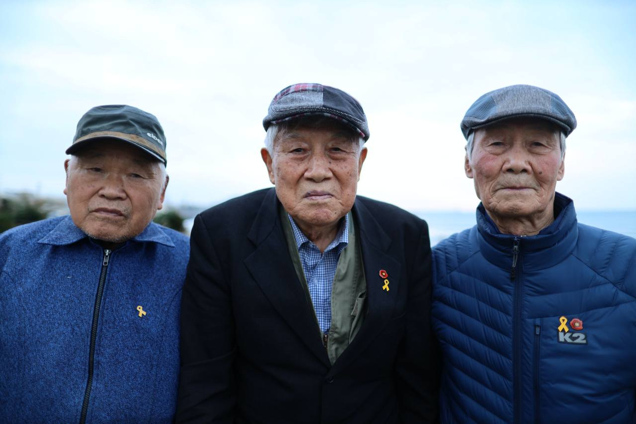 From left: Prisoners of conscience Kim Young-sik, 88, Yang Won-jin, 92, Park and Hee-seong, 86 want to be sent to North Korea. They have served time in prison in South Korea for their political beliefs -- Kim for 27 years, Yang for 29 1/2 years and Park for 27 years. ©2021 Hyungwon Kang