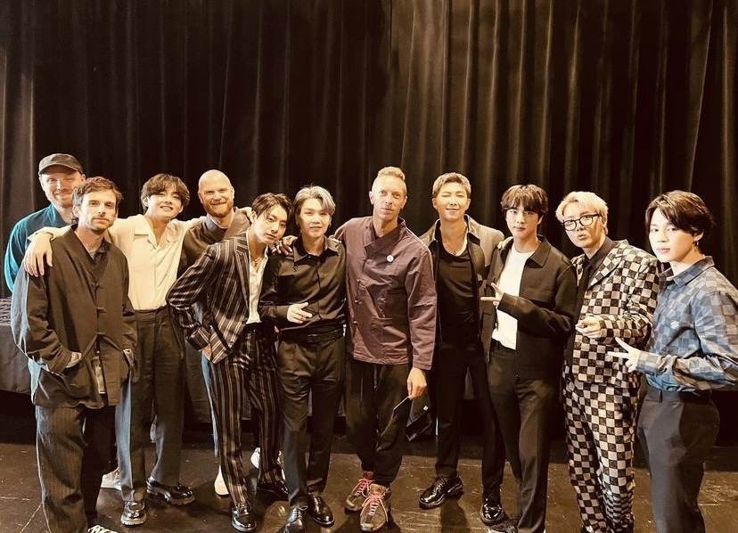Boy band BTS and British rock band Coldplay (Coldplay's official Instagram account)