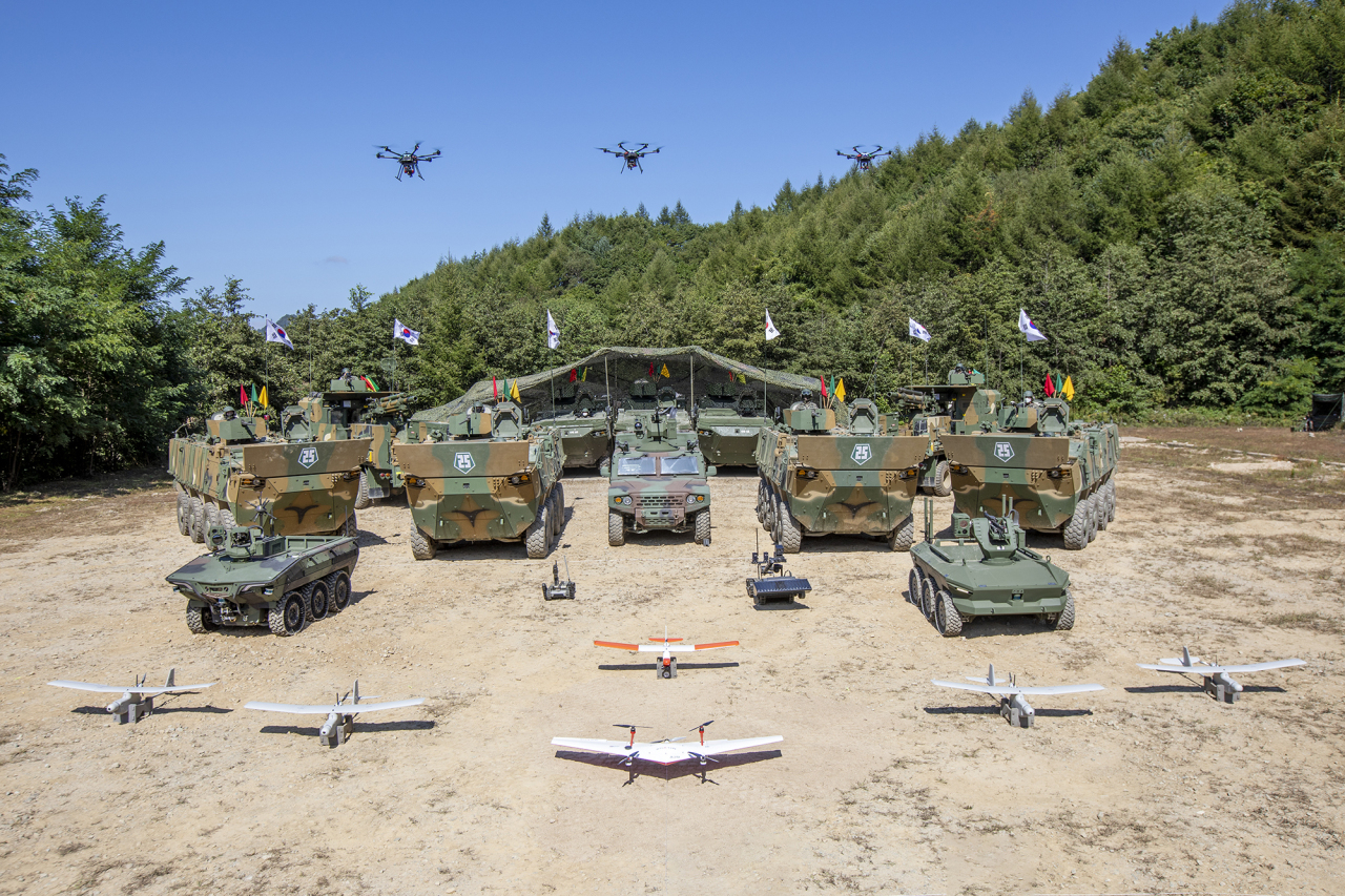 The Army unveils latest weapons – drones, robots and armored fighting vehicles – it has developed to test a new combat system that will guide its entire operations as early as 2040. (Republic of KoreaArmy)