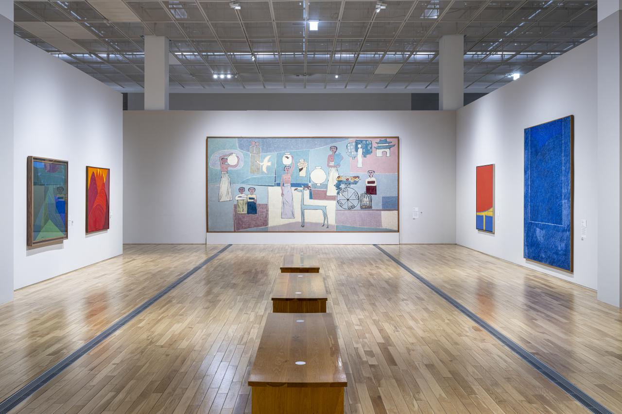"An installation view of ""MMCA Lee Kun-hee Collection: Masterpieces of Korean Art"" at the MMCA Seoul (MMCA)"