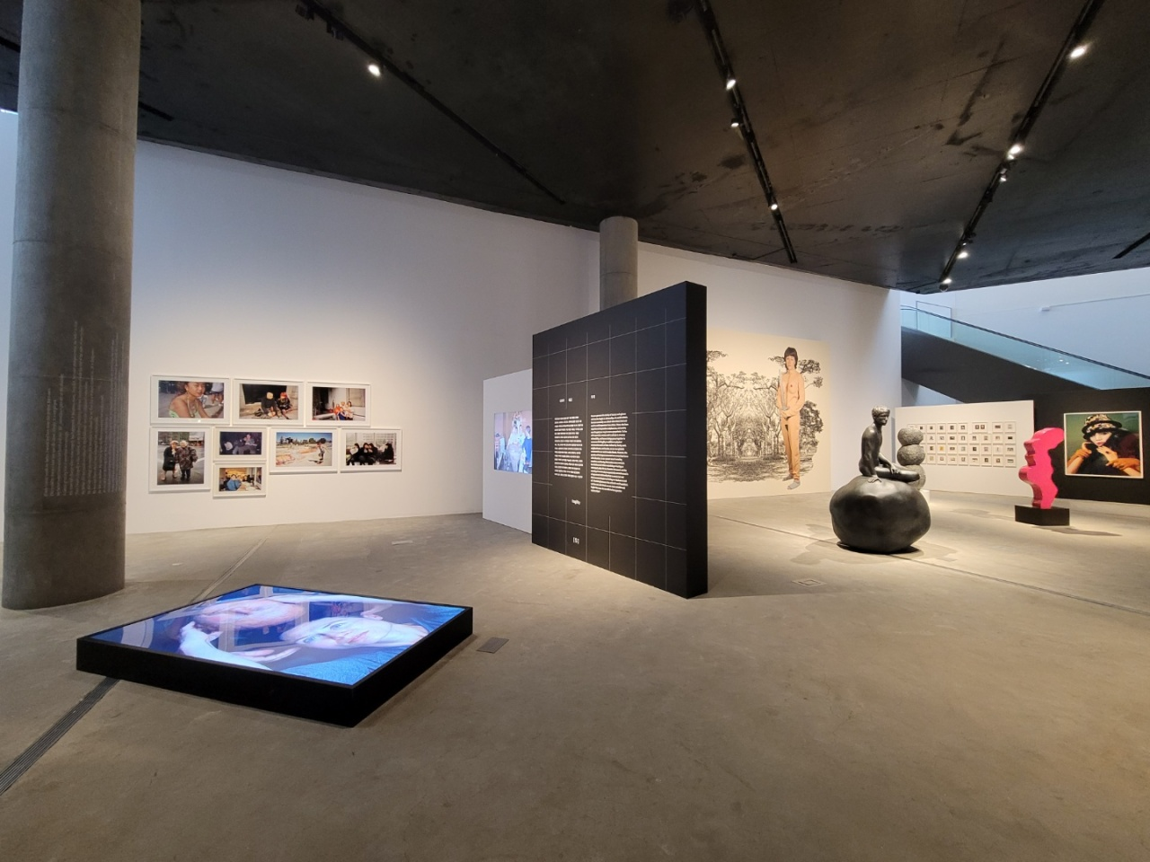 """An installation view of the exhibition """"Human, 7 Questions,"""" at Leeum Museum of Art in Seoul (Park Yuna/The Korea Herald)"""