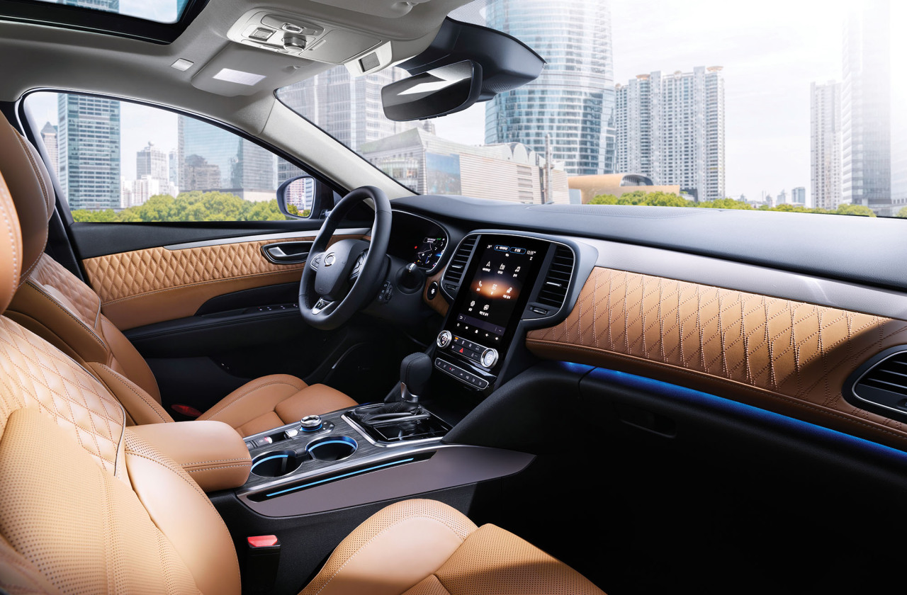 Inside of SM6 (Renault Samsung Motors)