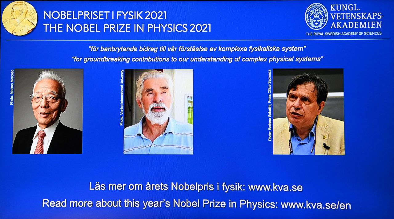 Portraits of the co-winners of the 2021 Nobel Prize in Physics (from the left) Syukuro Manabe, Klaus Hasselmann and Giorgio Parisi are displayed on a screen at the Royal Swedish Academy of Sciences in Stockholm on Tuesday. (AFP-Yonhap)