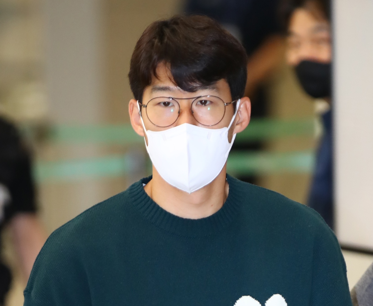 Son Heung-min on Tuesday arrives at Incheon International Airport to report to the Korean national men's football team ahead of World Cup qualifiers against Syria and Iran. (Yonhap)