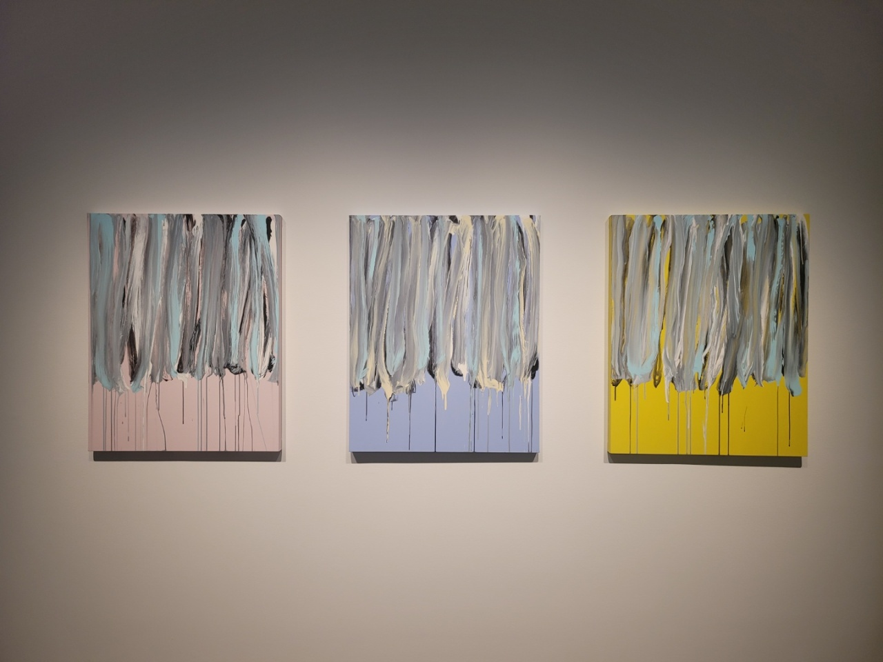 """An installation view of """"Lee Kun-yong: Body Scape"""" at Gallery Hyundai in central Seoul (Park Yuna/The Korea Herald)"""