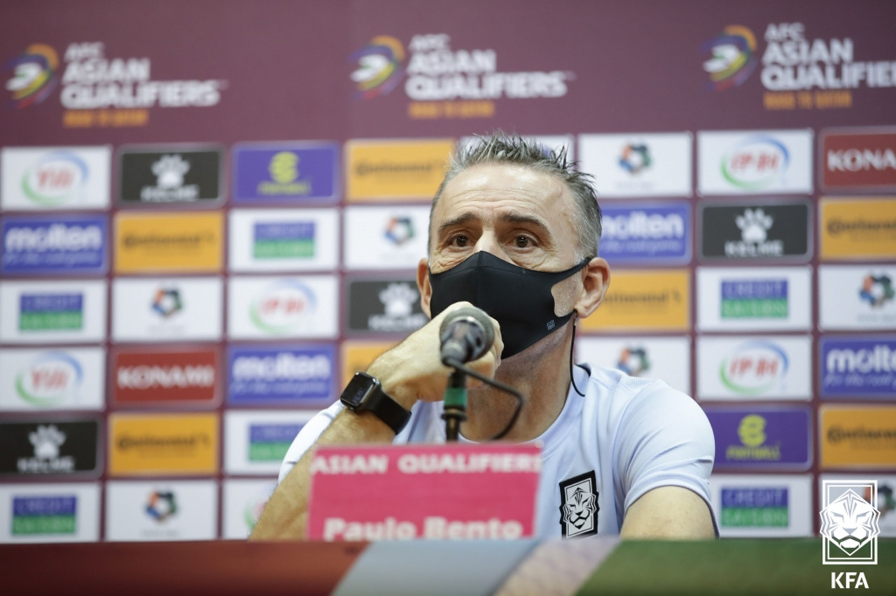 South Korea head coach Paulo Bento speaks at a press conference at Azadi Stadium in Tehran on Monday, a day before a World Cup qualifying match against Iran, in this photo provided by the Korea Football Association. (Yonhap)