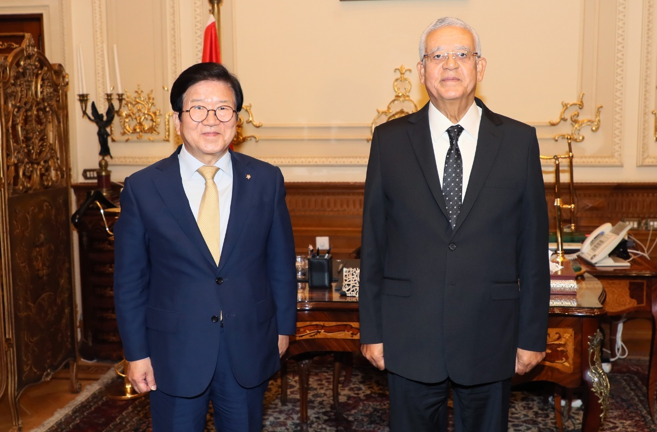 National Assembly Speaker Park Byeong-seug (left) and Hanafy Ali El-Gebali, Speaker of the Egyptian House of Representatives (National Assembly)