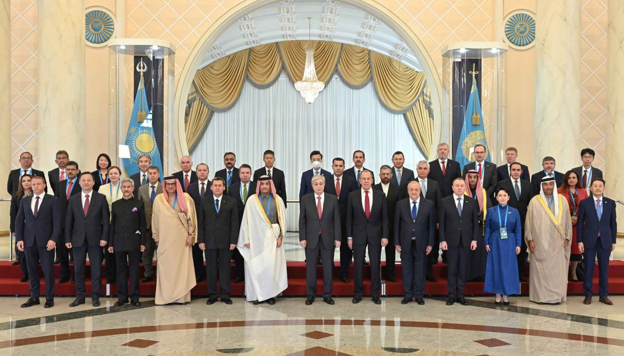 Kazakhstan President Kassym-Jomart Tokayev holds a meeting with the heads of delegations participating in the CICA Foreign Ministers meeting. (Official website of the President of Kazakhstan)