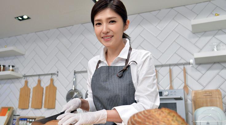 """""""밥보다 더 건강한 빵을 만들고 싶었어요""""…'효모빵'에 푹빠진 김경란 아나운서"""