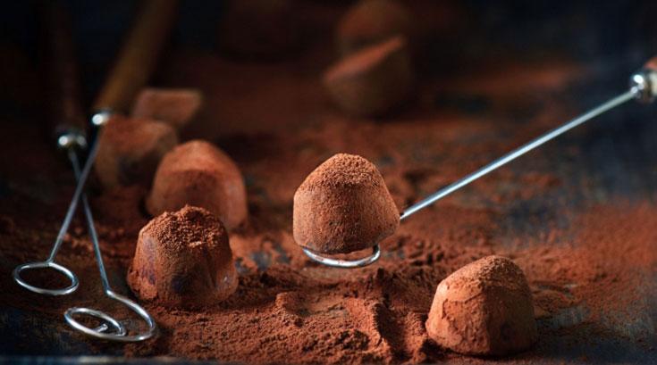 우울할 때 먹는 초콜릿, 정말 도움될까