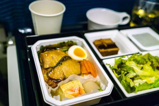 비행기에서 먹던 기내식, 배달 서비스로 전환