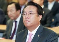 정진석 '盧부부싸움' 발언 의도는?…SNS로 던..
