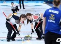 [평창] 파죽지세 여자컬링, 스웨덴도 꺾었다!..