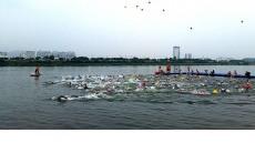 전국 수영동호인들 구미 낙동강에 모였다.
