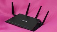 게이머에게 더 빠른 무선 인터넷 환경을 선사할 '넷기어 나이트호크 X4S R7800'
