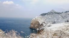 [헤럴드 포토]눈 쌓인 섬마을 풍경