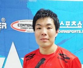 """[이호택의 크로스카운터] MAX FC 챔피언 이지훈의 사부곡 """"아버지 힘내세요!"""""""