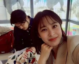 씨네타운 출연 앞둔 박희본, 남편 윤세영 감독과 즐기는 여유