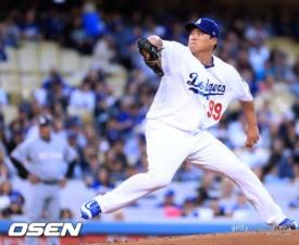 [MLB] 류현진 메츠전 5이닝 2실점 '노디시전'...피홈런 2방