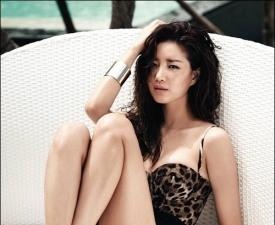 김사랑, 가장 예쁜 몸 1위의 비키니 자태…'넘사벽 몸매'
