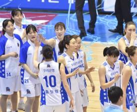 [여자농구] 우리은행 '통합 6연패' 위업, KB스타즈 상대로 챔프전 스윕