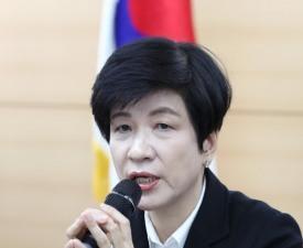 김영주 장관, '근로시간 단축' 애로사항 겪는 기업에 어떻게 대처할까?