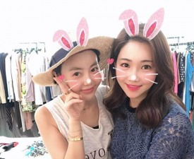 황혜영, 절친 이유리와 셀카 '동안 여신' 등극