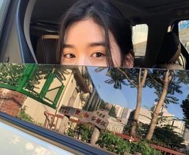 정은채, 김제동이 반할만 했네…얼굴 반만 드러냈는데 미모가 이 정도?