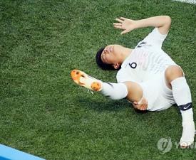 박주호 아내, 보기만 해도 '뭉클'…애틋함 담긴 손길