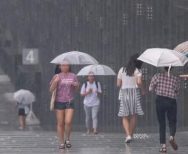 태풍 '리피' 휩쓴 뒤 기온은? 오늘 날씨 천둥번개까지...