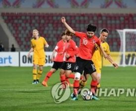 [한국 대만] '이민아-지소연' 앞세운 여자축구, 장슬기 감아차기 얼마나 기막혔길래?